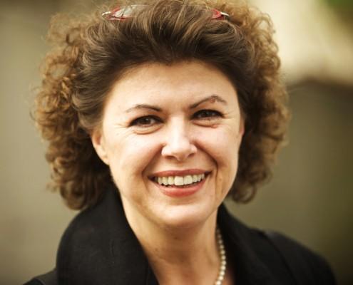 Iris Nahrstedt